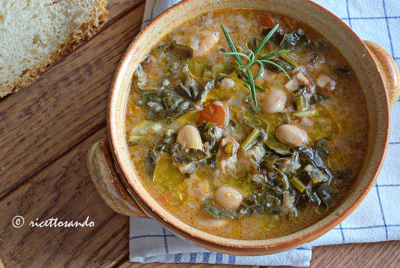 Ribollita toscana ricetta zuppe tradizionaliprepariamo poco olio riscaldato appena con un rametto di rosmarino o di timo che useremo per rifinire i piatti di portata