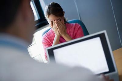 Bác sĩ chỉ ra nguyên nhân: Mới 21 tuổi cô gái này đã có triệu chứng của thời kì mãn kinh
