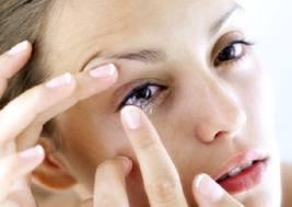 5 Tips Mata Sehat Meski Pakai Kontak Lensa