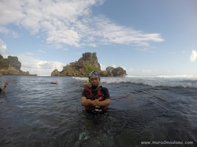 Saya Snorkeling di Pantai Nglambor 1