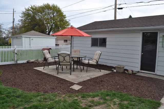mulch, sod cutter, patio, pavers, DIY, landscaping, reno, pea gravel, dark brown shredded mulch, sand, compactor, DIY PATIO