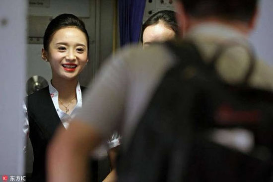Foto Cantik dan Seksinya Liu Miaomiao, Pramugari Tercantik Didunia