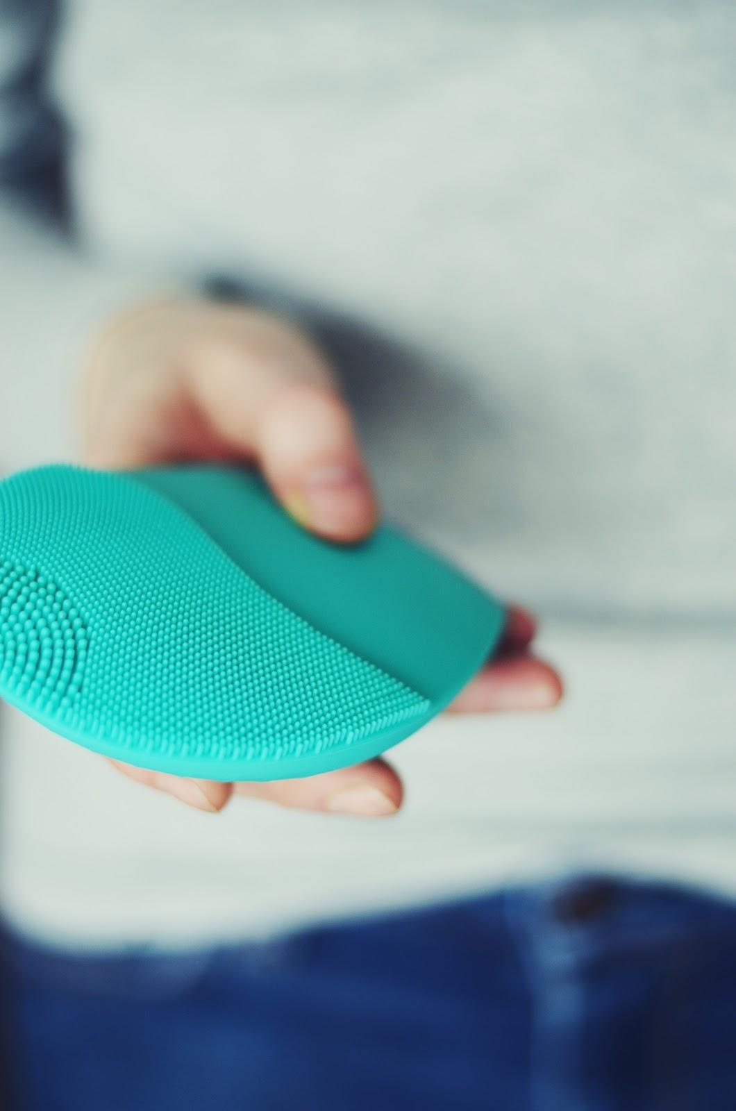 Tak czy nie dla technologii w pielęgnacji? | Szczoteczka soniczna DermoFuture