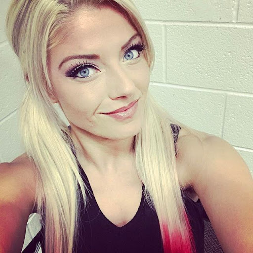 Alexa Bliss Reacts to Negative Fan Chants on RAW