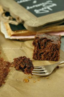 http://www.greencooking.pl/2013/09/czekoladowe-ciasto-z-korzennym-syropem.html