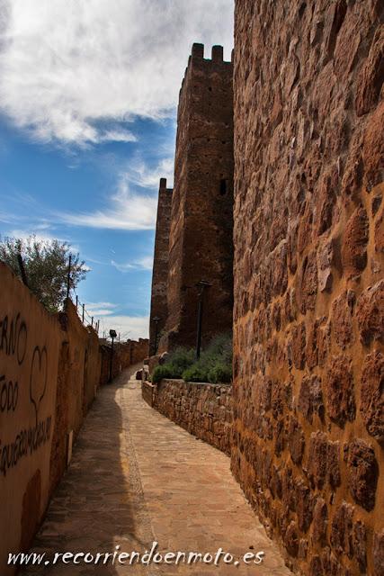 Muralla del Castillo de Baños de la Encina