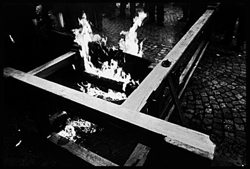 peine de mort condamnation execution guillotine feu flammes franck chevalier paris
