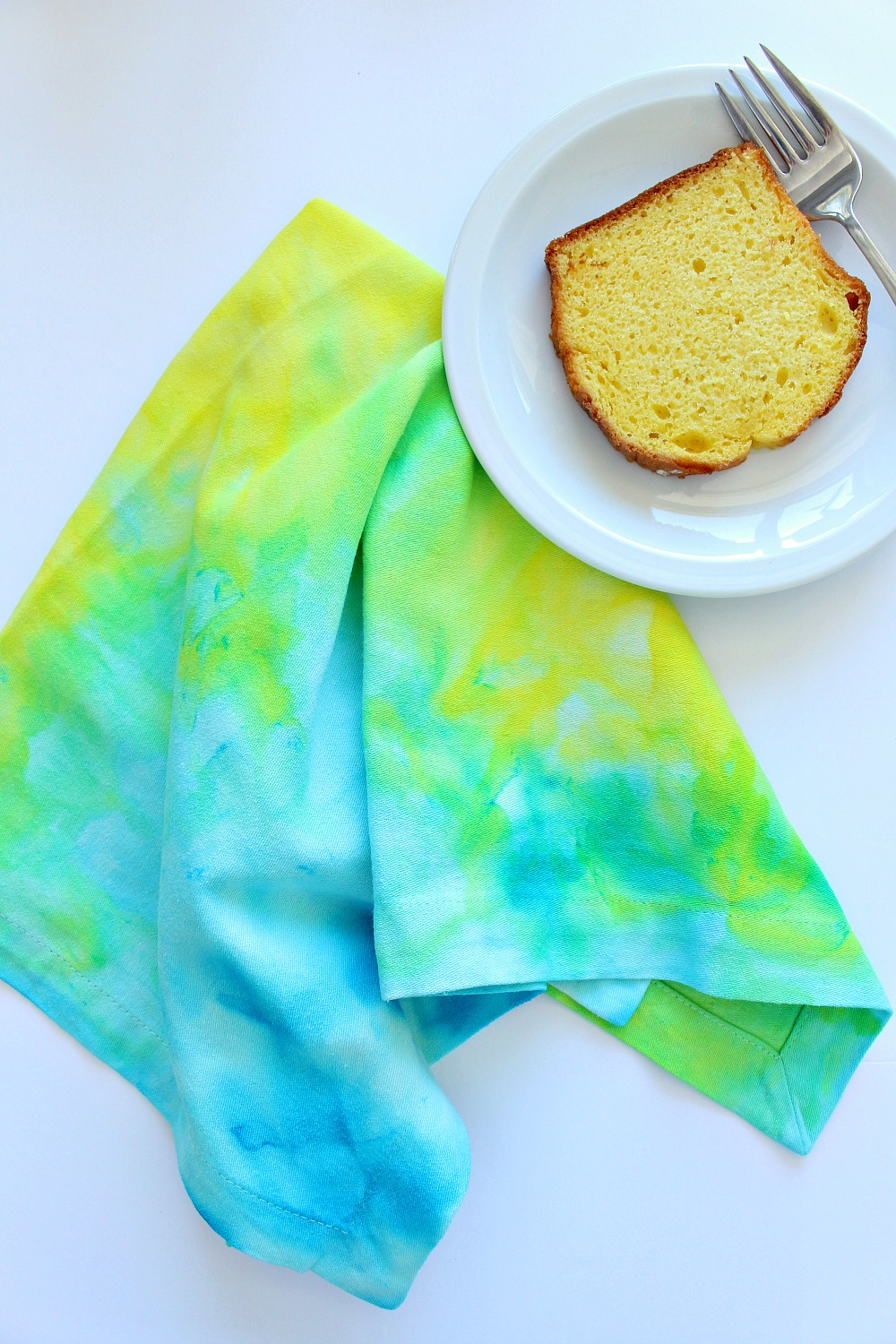 Easy DIY Dyed Napkins