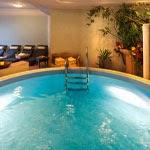 Schwimmbad im Hotel Waldrast in Kastelruth