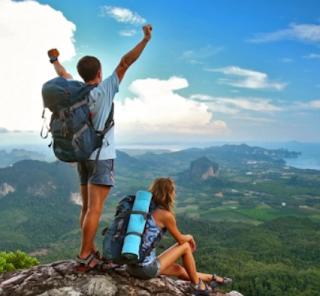 Wisata di gunung dengan backpacker