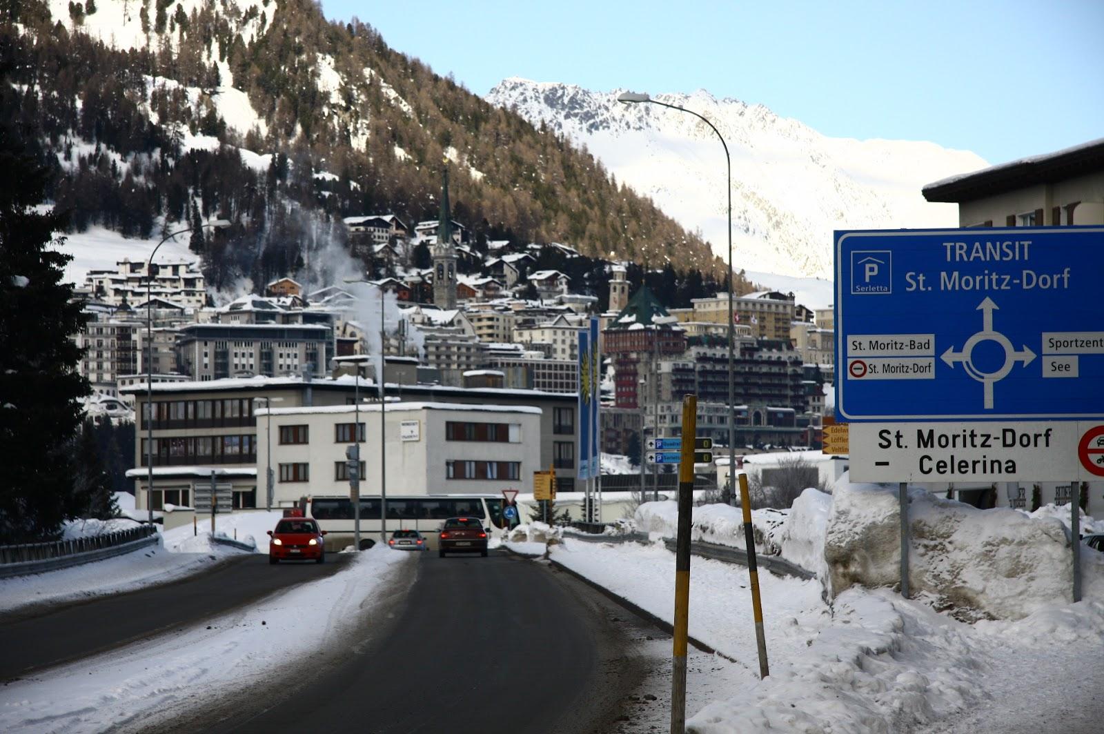 St Moritz Salah Sebuah Resort Ski Yang Terkenal Di Dunia Suhu Ra Adalah Bawah Paras Beku