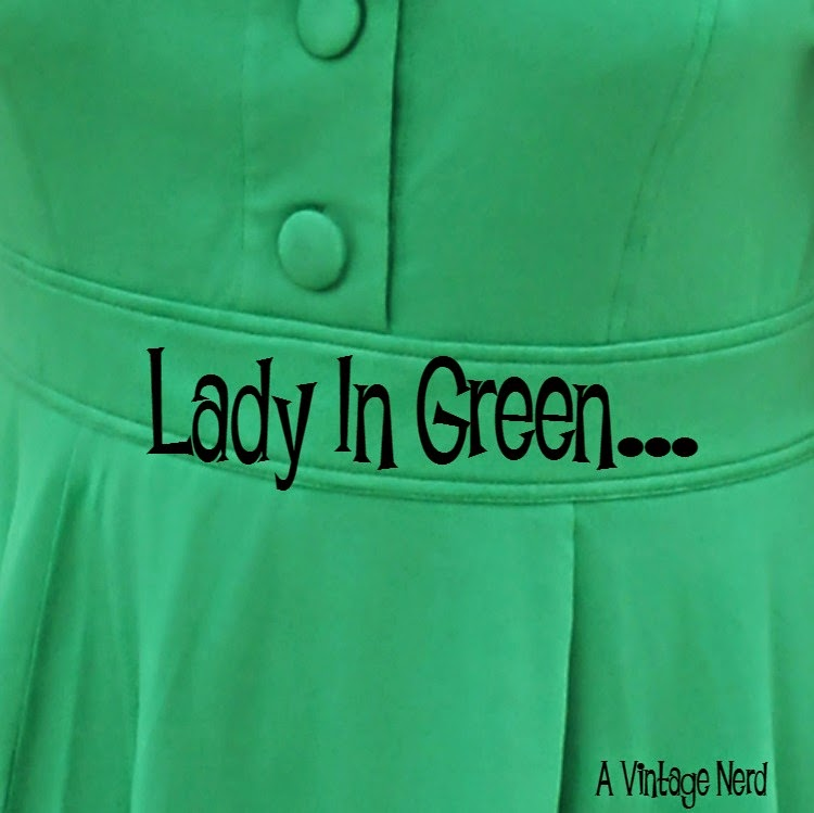A Vintage Nerd, Vintage Blog, Retro Fashion Blog, Retro Lifestyle Blog, eShakti Green Dress