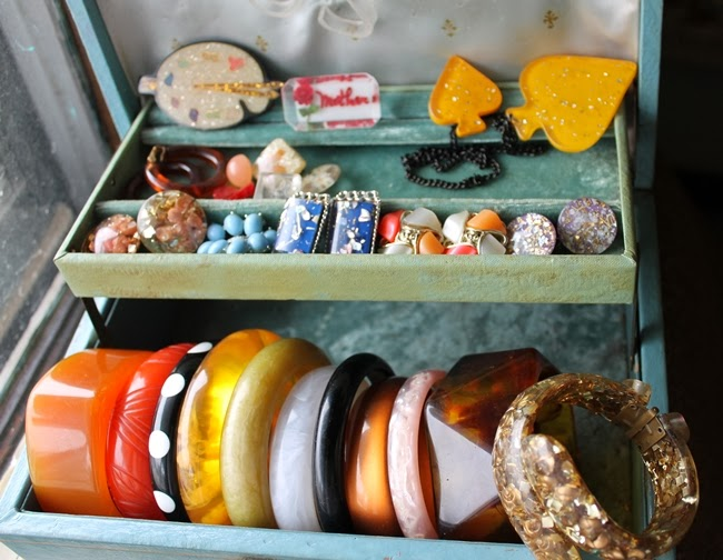 lucite jewelry collection how to identify lucite