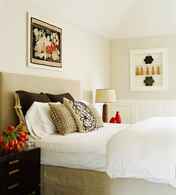 A Headboard Covered In Lime Green And Ivory Striped Fabric Fills The Wall With Graphic Beachy Eal Perfect For Gridded Fl Duvet Red