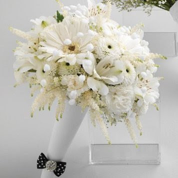 Winter Wedding Bouquets White Flowers