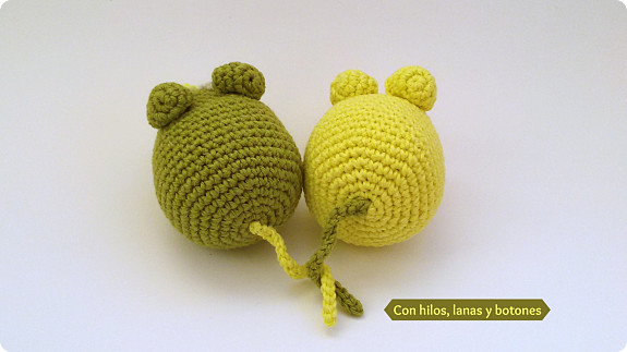 Con hilos, lanas y botones: Ratoncitos verdes amigurumi