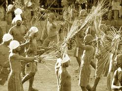 Upacara-Adat-Istiadat-dan-Sistem-Kepercayaan-Maluku