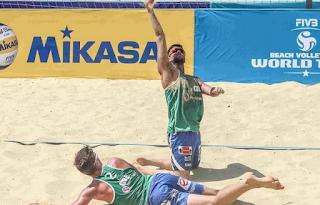 7 ασκήσεις για σώμα παραλίας από δύο πρωταθλητές του beach volley