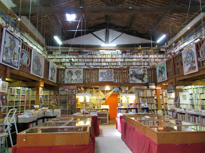 La antigua libreria de Le Somail.Le Somail. Ruta por los pueblos del País Cátaro. Francia