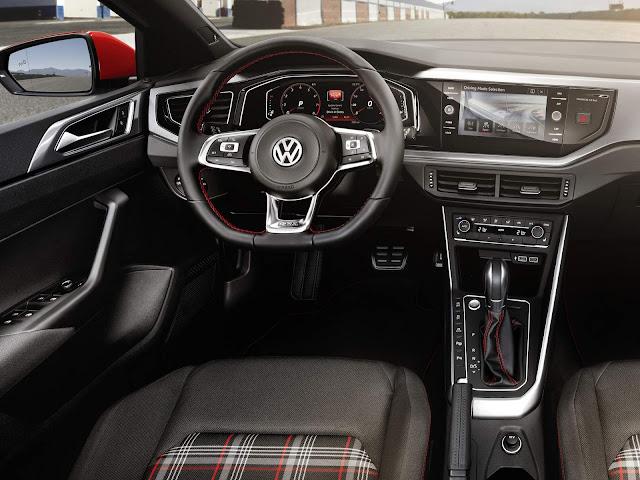 Novo VW Polo 2018 GTI - painel