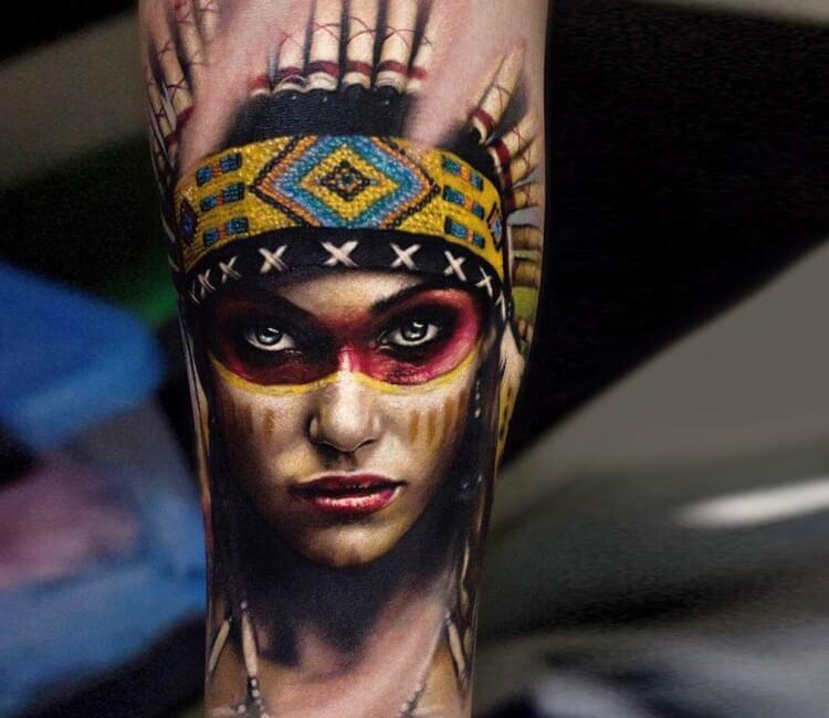 Tatuaje de un rostro de mujer india