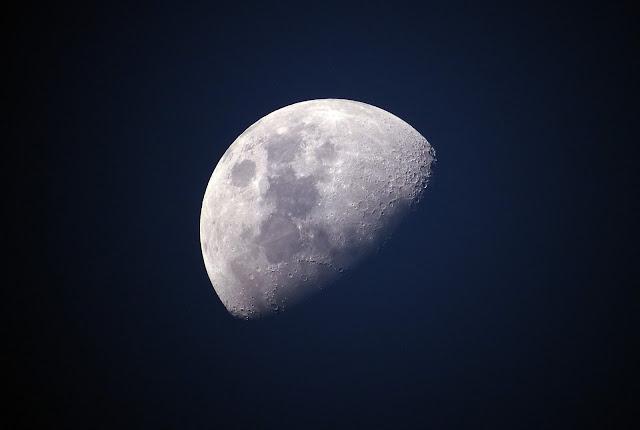 月 上弦の月