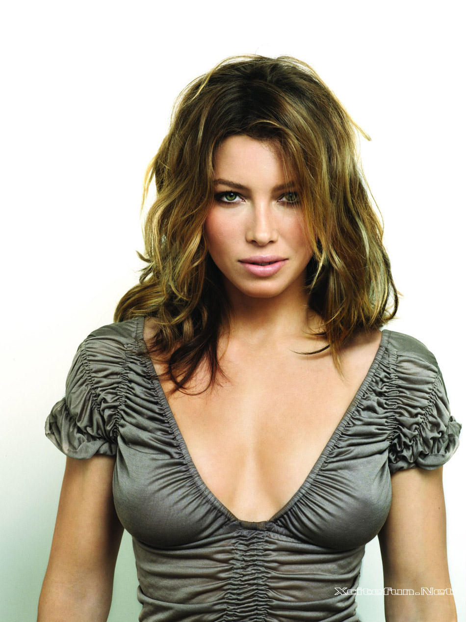 butt Cleavage Jessica Biel naked photo 2017
