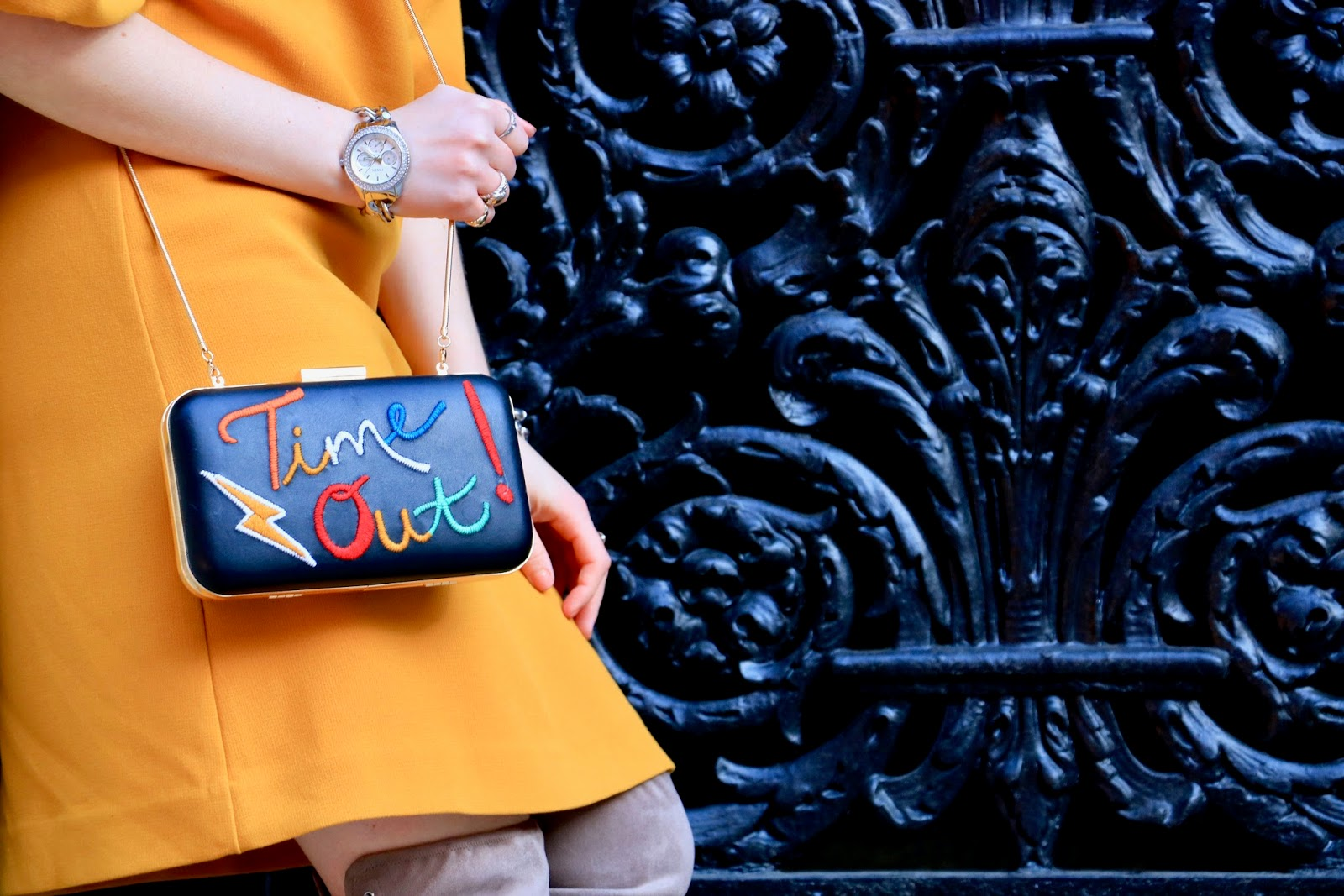 Nyc fashion blogger Kathleen Harper carrying an Alice & Olivia Time Out purse