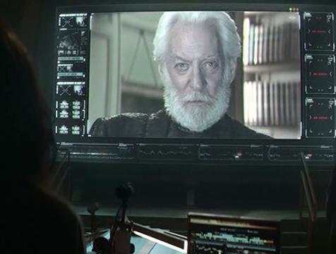 Coriolanus Snow (Donald Sutherland) en Los juegos del hambre. Sinsajo parte 1 - Cine de Escritor