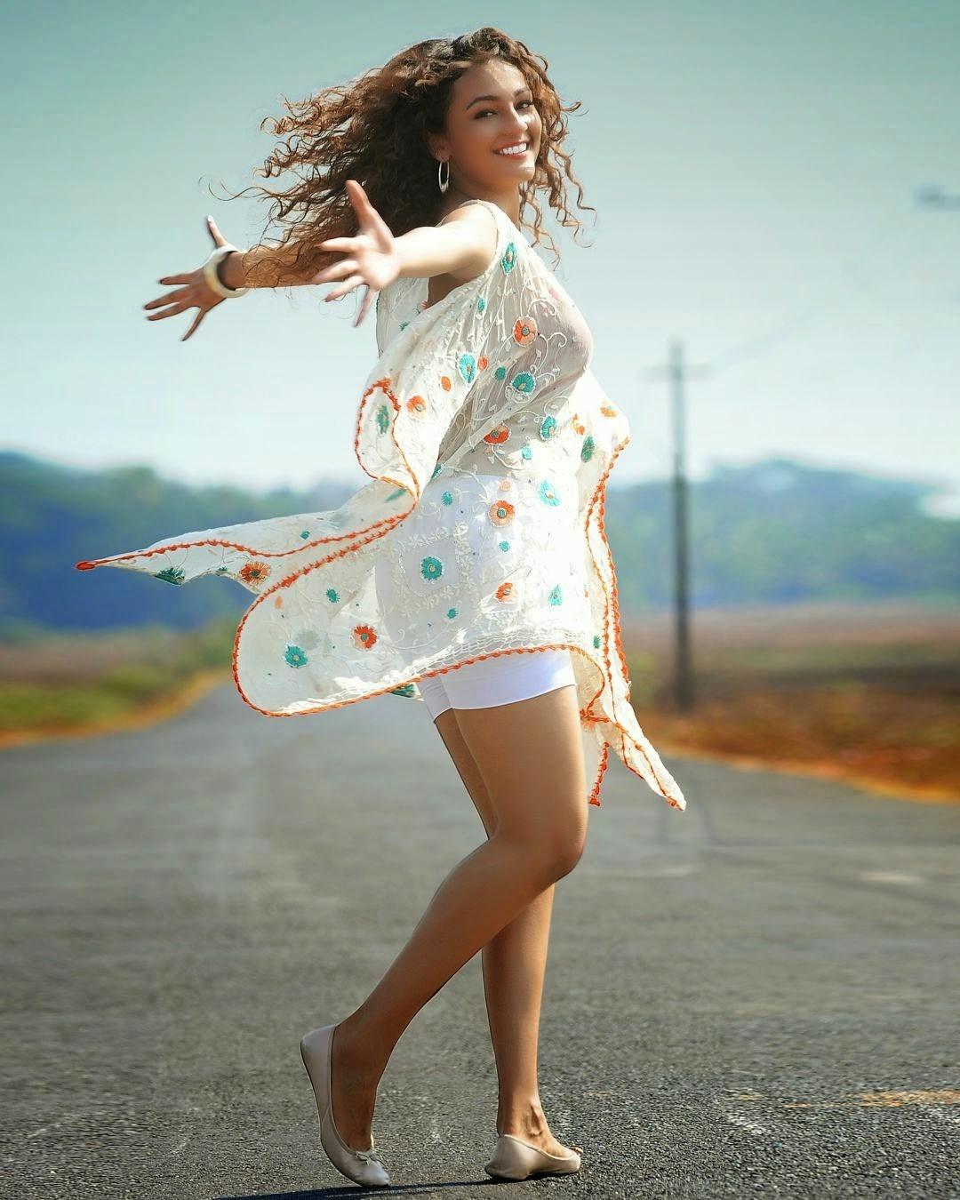 Seerat Kapoor Hot Sexy Thighs
