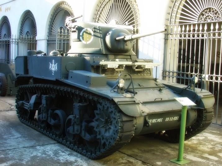 """Carro de Combate Leve, Vulgo """"Perereca"""", no Museu do Comando Militar do Sul, em Porto Alegre"""