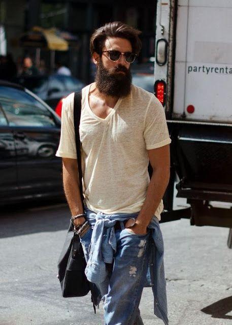 Look Masculino com Camisa Amarrada Na Cintura