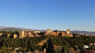 Cycling in Granada and see the Alhambra Palace