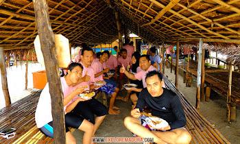 makan siang di gili labak