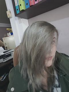 γκρι βαφή μαλλιών