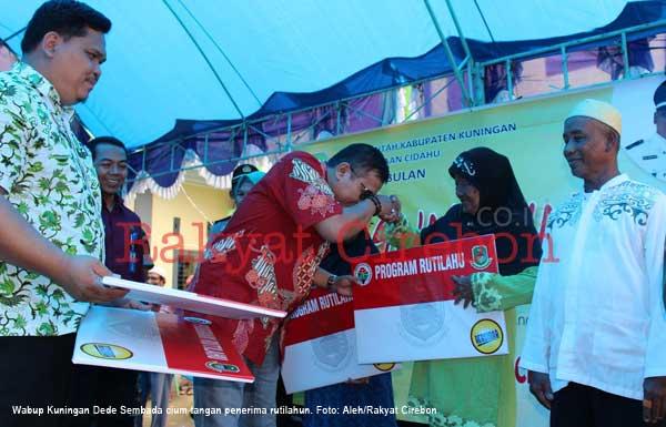 pemdes cibulan kuningan luncurkan program kesehatan dan pendidikan gratis