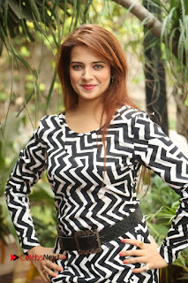 Actress Saloni Latest Pos in Short Dress  0118.JPG