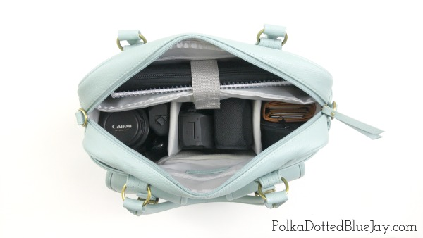 What fits inside my Mint Missy Camera Bag from JoTotes. Click here to see how much I can fit in this awesome camera bag!