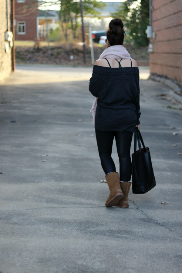 style on a budget, north carolina blogger, mom style, weekend style, free people sweatshirt, minnetonka boots