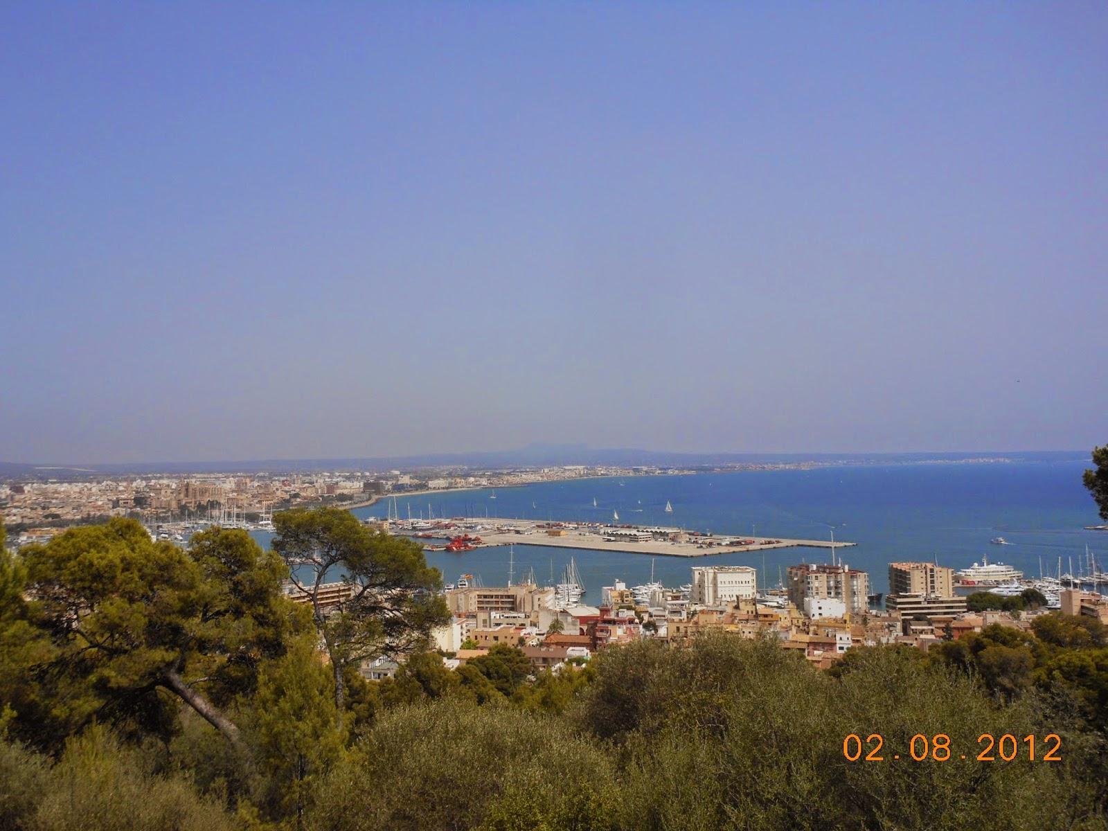 Vista do Castelo Bellver para a cidade de Palma de Maiorca - Espanha