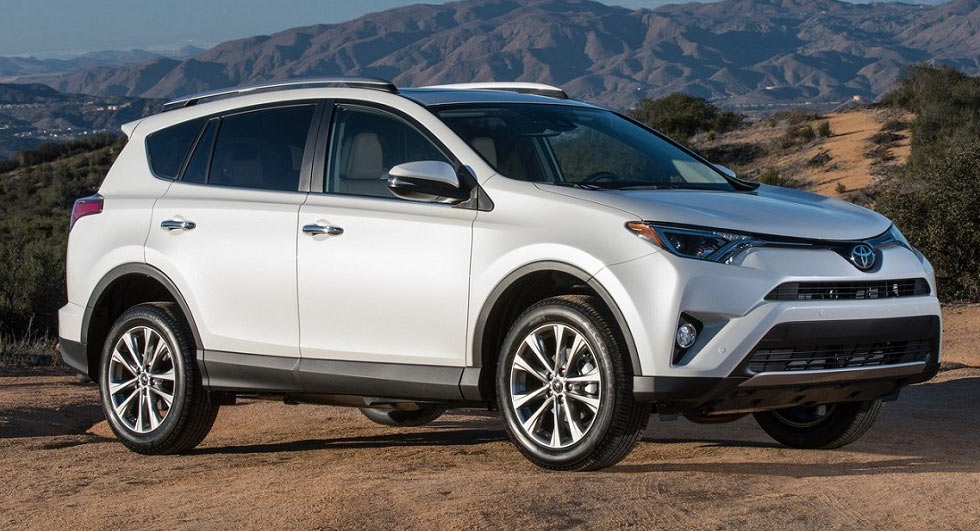 2017 toyota rav4 receives price cuts of up to 1 330. Black Bedroom Furniture Sets. Home Design Ideas