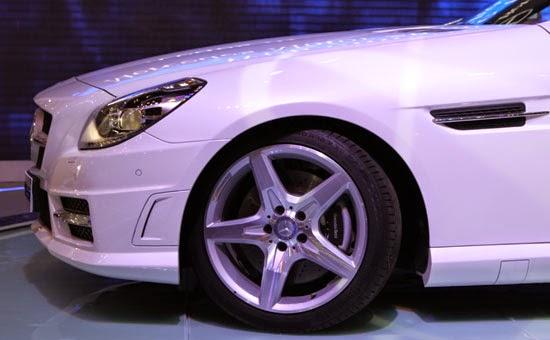 Mercedes SLK 350 AMG màu trắng 02