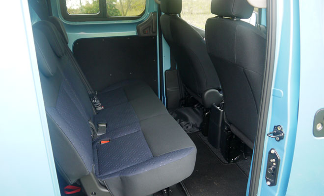 Nissan e-NV200 rear seating