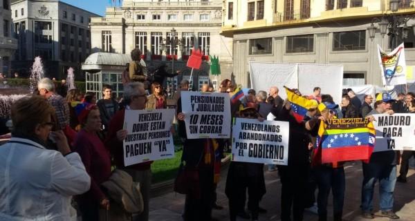 Pensionados En El Exterior Cumplen 2 Anos Sin Cobrar Chismeven