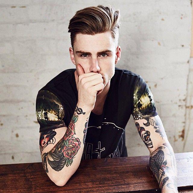 Tatuagem Masculina Old School no Braço