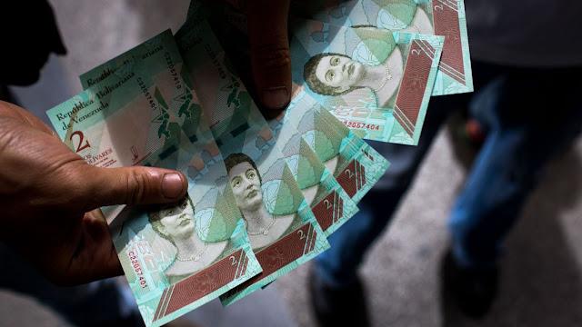 Previo a su viaje a México, Maduro aumenta 150% el salario mínimo en Venezuela