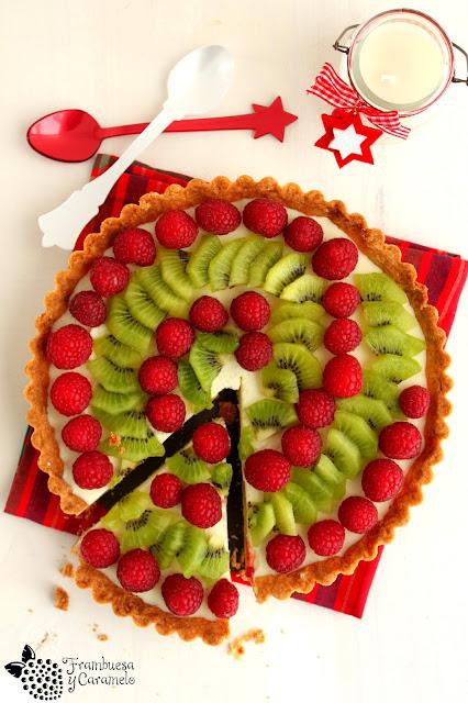 Tarta mousse de chocolate blanco Navidad