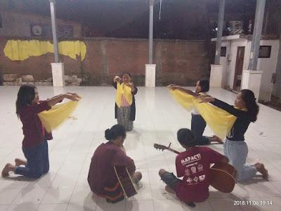 Sanggar Tari Ikamatri Maksimalkan Latihan Untuk Isi Acara Pentas Donasi Buku Bagi NTT