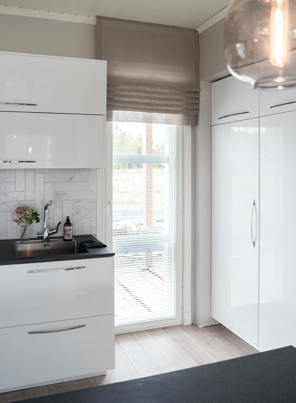 Interior by Jutta K N Keittiön sekä ruokailutilan uudet