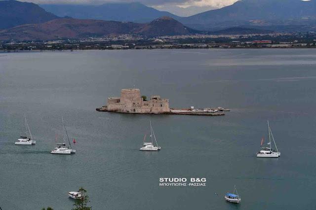 Τερματισμός στο Ναύπλιο του 8ου Catamarans Cup (βίντεο)